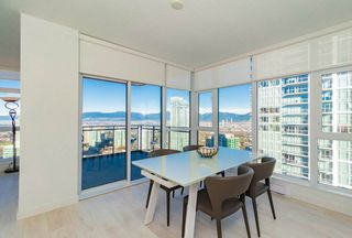 """Photo 4: 3707 6098 STATION Street in Burnaby: Metrotown Condo for sale in """"Station Square II"""" (Burnaby South)  : MLS®# R2333454"""