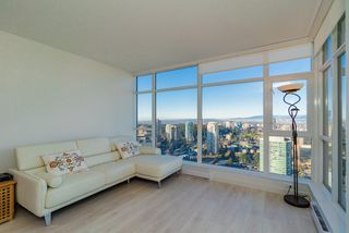 """Photo 3: 3707 6098 STATION Street in Burnaby: Metrotown Condo for sale in """"Station Square II"""" (Burnaby South)  : MLS®# R2333454"""