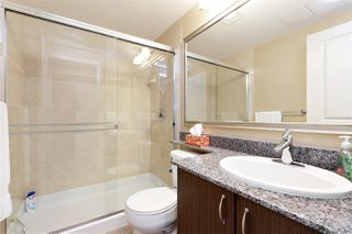 "Photo 13: 3302 898 CARNARVON Street in New Westminster: Downtown NW Condo for sale in ""Azure 1"" : MLS®# R2341728"