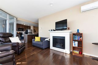 "Photo 3: 3302 898 CARNARVON Street in New Westminster: Downtown NW Condo for sale in ""Azure 1"" : MLS®# R2341728"