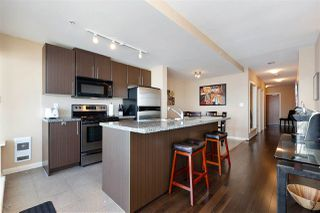 "Photo 5: 3302 898 CARNARVON Street in New Westminster: Downtown NW Condo for sale in ""Azure 1"" : MLS®# R2341728"