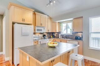 "Photo 8: 1032 GLENAYRE Drive in Port Moody: College Park PM House for sale in ""Glenayre/College Park"" : MLS®# R2342987"