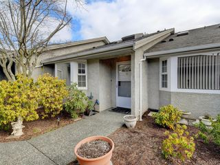 Photo 1: 44 2600 Ferguson Rd in SAANICHTON: CS Turgoose Row/Townhouse for sale (Central Saanich)  : MLS®# 806986