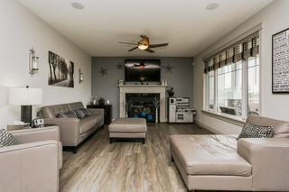Photo 5: 2114 90A Street in Edmonton: Zone 53 House for sale : MLS®# E4146377
