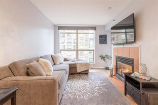 "Main Photo: 909 819 HAMILTON Street in Vancouver: Downtown VW Condo for sale in ""EIGHT ONE NINE"" (Vancouver West)  : MLS®# R2346794"