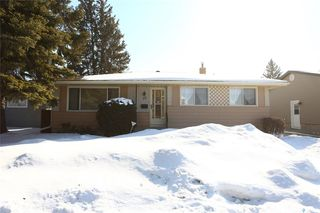 Photo 1: 38 Moore Place in Saskatoon: Massey Place Residential for sale : MLS®# SK762065