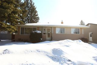 Photo 2: 38 Moore Place in Saskatoon: Massey Place Residential for sale : MLS®# SK762065