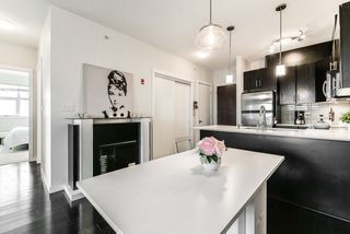 """Photo 6: 405 7777 ROYAL OAK Avenue in Burnaby: South Slope Condo for sale in """"THE SEVENS"""" (Burnaby South)  : MLS®# R2347654"""
