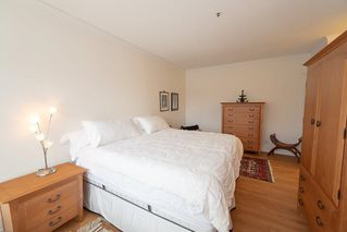 "Photo 13: 307 3766 W 7TH Avenue in Vancouver: Point Grey Condo for sale in ""THE CUMBERLAND"" (Vancouver West)  : MLS®# R2352729"