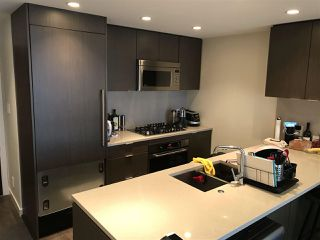 Photo 3: 1003 125 E 14TH Street in North Vancouver: Central Lonsdale Condo for sale : MLS®# R2355768