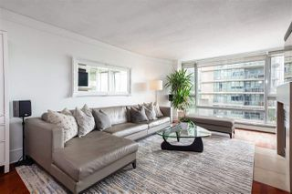 Photo 2: 507 1383 MARINASIDE Crescent in Vancouver: Yaletown Condo for sale (Vancouver West)  : MLS®# R2365345