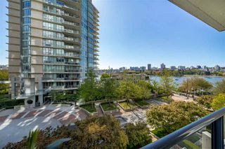 Photo 4: 507 1383 MARINASIDE Crescent in Vancouver: Yaletown Condo for sale (Vancouver West)  : MLS®# R2365345