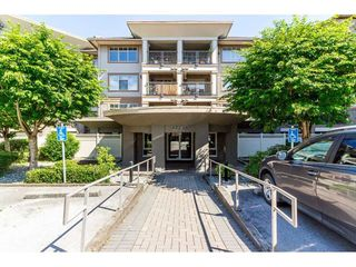 "Photo 2: 215 12238 224 Street in Maple Ridge: East Central Condo for sale in ""URBANO"" : MLS®# R2376710"