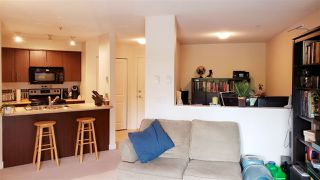 "Photo 4: 215 12238 224 Street in Maple Ridge: East Central Condo for sale in ""URBANO"" : MLS®# R2376710"