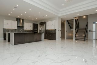 Photo 4: 2703 WHEATON Drive in Edmonton: Zone 56 House for sale : MLS®# E4160352