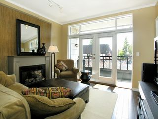 Photo 2:  in THE AVENUE: Home for sale : MLS®# V763522