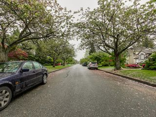 Photo 16: 7062 Marguerite Street in Vancouver: South Granville Home for sale ()  : MLS®# V1119446
