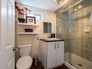 Photo 20: 2012 CROCUS Road NW in Calgary: Charleswood Detached for sale : MLS®# C4253746