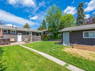 Photo 24: 2012 CROCUS Road NW in Calgary: Charleswood Detached for sale : MLS®# C4253746