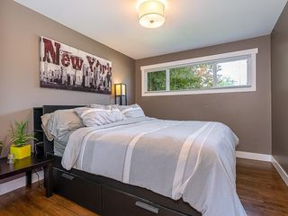 Photo 13: 2012 CROCUS Road NW in Calgary: Charleswood Detached for sale : MLS®# C4253746