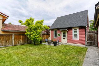 Photo 3: 469 GLENBROOK Drive in New Westminster: Fraserview NW House for sale : MLS®# R2380969