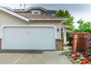 "Photo 1: 7 9163 FLEETWOOD Way in Surrey: Fleetwood Tynehead Townhouse for sale in ""Beacon Square"" : MLS®# R2387246"