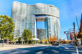 "Main Photo: 2305 89 NELSON Street in Vancouver: Yaletown Condo for sale in ""The Arc"" (Vancouver West)  : MLS®# R2414217"