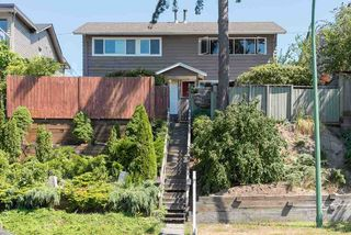 Main Photo: 442-444 E 1ST Street in North Vancouver: Lower Lonsdale House Duplex for sale : MLS®# R2417850