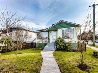 Main Photo: 3404 E 4TH Avenue in Vancouver: Renfrew VE House for sale (Vancouver East)  : MLS®# R2439364