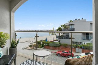Photo 3: PACIFIC BEACH Condo for sale : 2 bedrooms : 4007 Everts St #2G in San Diego