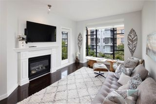 "Main Photo: 304 2175 SALAL Drive in Vancouver: Kitsilano Condo for sale in ""SAVONA"" (Vancouver West)  : MLS®# R2460971"