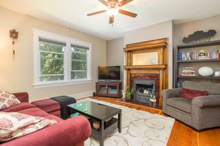 "Photo 3: 1624 - 1626 GRAVELEY Street in Vancouver: Grandview Woodland House for sale in ""Commercial Drive"" (Vancouver East)  : MLS®# R2484665"