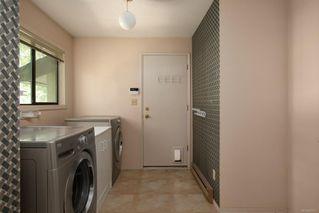Photo 19: 1674 Stuart Park Terr in : NS Dean Park House for sale (North Saanich)  : MLS®# 852377