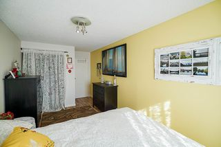 """Photo 17: 302 9952 149 Street in Surrey: Guildford Condo for sale in """"TALL TIMBERS"""" (North Surrey)  : MLS®# R2492246"""