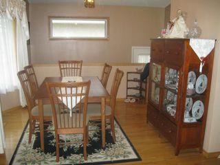 Photo 5: 884 ISBISTER Street in WINNIPEG: Westwood / Crestview Residential for sale (West Winnipeg)  : MLS®# 1107876