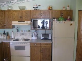 Photo 3: 884 ISBISTER Street in WINNIPEG: Westwood / Crestview Residential for sale (West Winnipeg)  : MLS®# 1107876