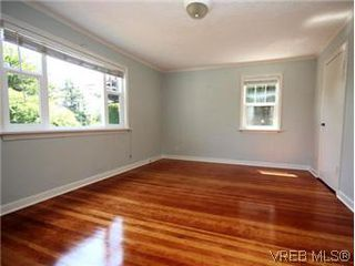 Photo 4: 4090 Torquay Dr in VICTORIA: SE Mt Doug Single Family Detached for sale (Saanich East)  : MLS®# 589552