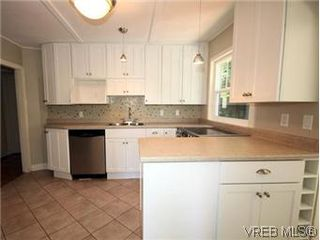 Photo 10: 4090 Torquay Dr in VICTORIA: SE Mt Doug Single Family Detached for sale (Saanich East)  : MLS®# 589552