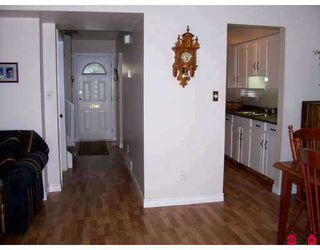 "Photo 8: 111 32880 BEVAN WY in ABBOTSFORD: Central Abbotsford Townhouse for rent in ""BEVAN GARDENS"" (Abbotsford)"