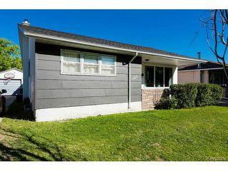 Photo 3: 780 Airlies Street in WINNIPEG: West Kildonan / Garden City Residential for sale (North West Winnipeg)  : MLS®# 1515276