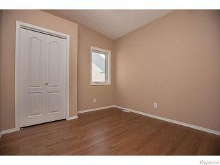 Photo 11: 152 Wainwright Crescent in WINNIPEG: St Vital Residential for sale (South East Winnipeg)  : MLS®# 1531945