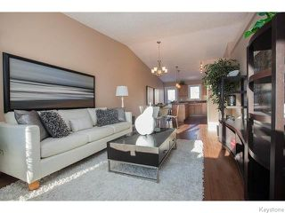 Photo 2: 152 Wainwright Crescent in WINNIPEG: St Vital Residential for sale (South East Winnipeg)  : MLS®# 1531945