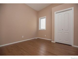 Photo 10: 152 Wainwright Crescent in WINNIPEG: St Vital Residential for sale (South East Winnipeg)  : MLS®# 1531945