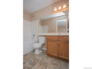 Photo 12: 152 Wainwright Crescent in WINNIPEG: St Vital Residential for sale (South East Winnipeg)  : MLS®# 1531945