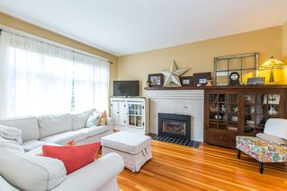 Photo 2: 109 ST. PATRICK Street in New Westminster: Queens Park House for sale : MLS®# R2040725