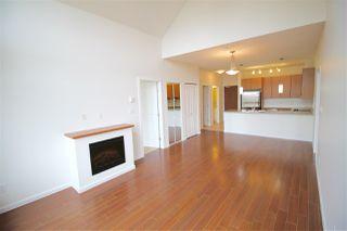 Photo 7: 403 15322 101 Avenue in Surrey: Guildford Condo for sale (North Surrey)  : MLS®# R2048002