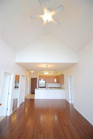 Photo 6: 403 15322 101 Avenue in Surrey: Guildford Condo for sale (North Surrey)  : MLS®# R2048002