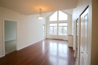 Photo 11: 403 15322 101 Avenue in Surrey: Guildford Condo for sale (North Surrey)  : MLS®# R2048002