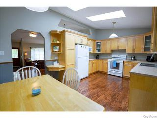 Photo 6: 111 Groveland Bay in Winnipeg: Fort Garry / Whyte Ridge / St Norbert Residential for sale (South Winnipeg)  : MLS®# 1617118