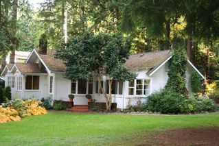 Photo 2: 1044 SEYMOUR Boulevard in North Vancouver: Seymour NV House for sale : MLS®# R2085740